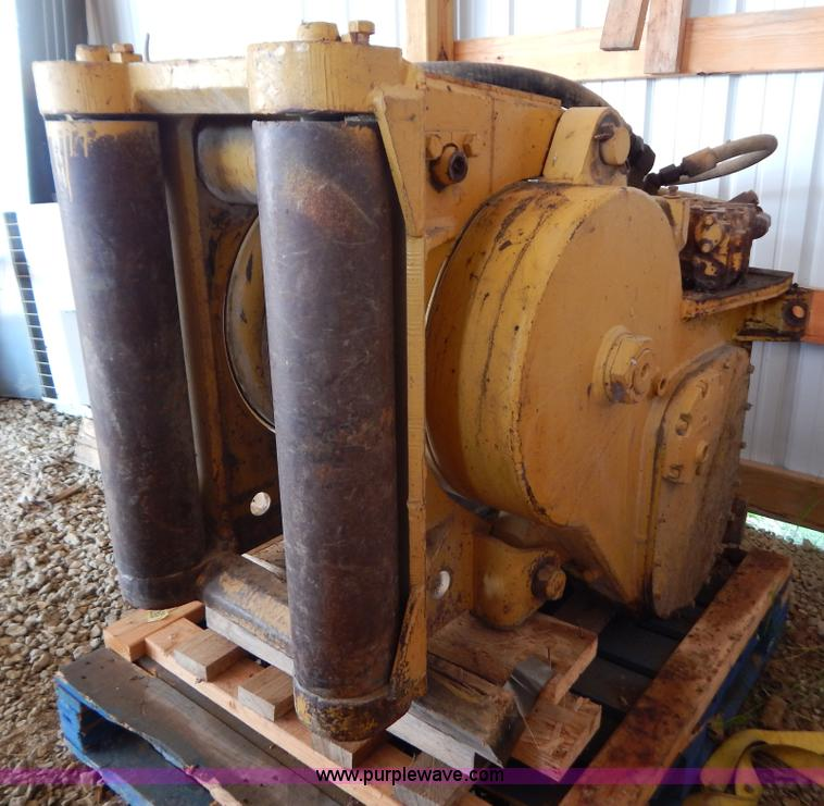 G3433.JPG - Caterpillar D6D hydraulic winch , In cab mount and controls , Fair lead rollers , 1 quot cable , Pin...
