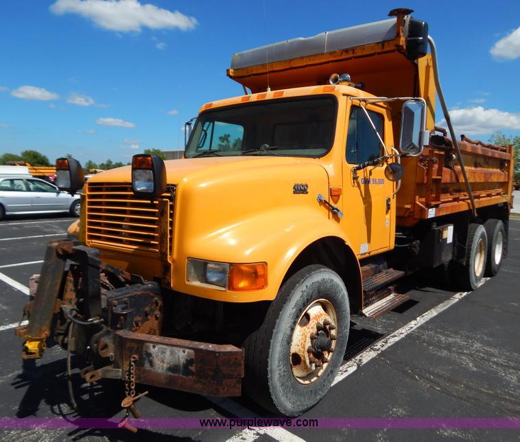 are dump trucks automatic or manual