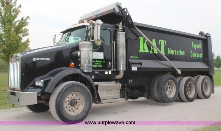 H6606.JPG - 2006 Kenworth T800B tri axle dump truck , 189,521 actual miles , Caterpillar C15 14 6L L6 diesel eng...