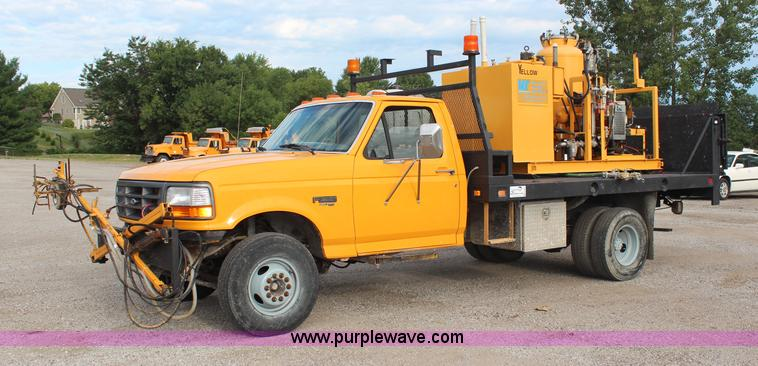 H6687.JPG - 1997 Ford F450 XL Super Duty flatbed truck with paint striping unit , 132,737 miles on odometer , 7 ...