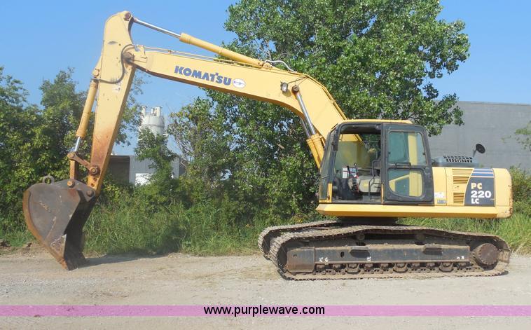 E7623.JPG - 2007 Komatsu PC220LC 8 excavator , 3,832 hours on meter , Komatsu SAA6D107E 1 six cylinder diesel en...