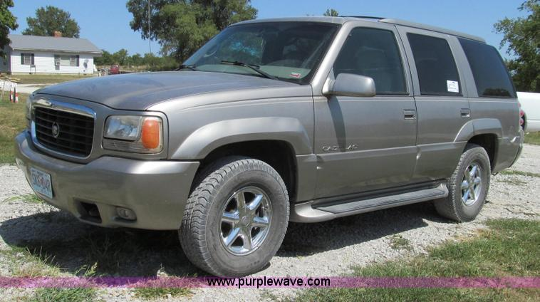 G2093.JPG - 2000 Cadillac Escalade SUV , 240,610 miles on odometer , 5 7L V8 OHV 16V gas engine , Automatic tran...
