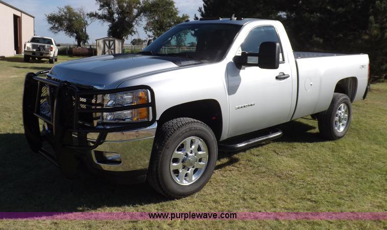 I7619.JPG - 2013 Chevrolet Silverado 3500HD LT pickup truck , 9,476 miles on odometer , 6 0L V8 OHV 16V FFV gas ...