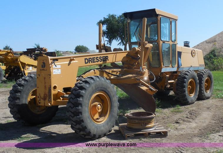 H9806.JPG - 1992 Dresser 850 articulated motor grader , 4,977 actual hours , Komatsu six cylinder turbo diesel e...