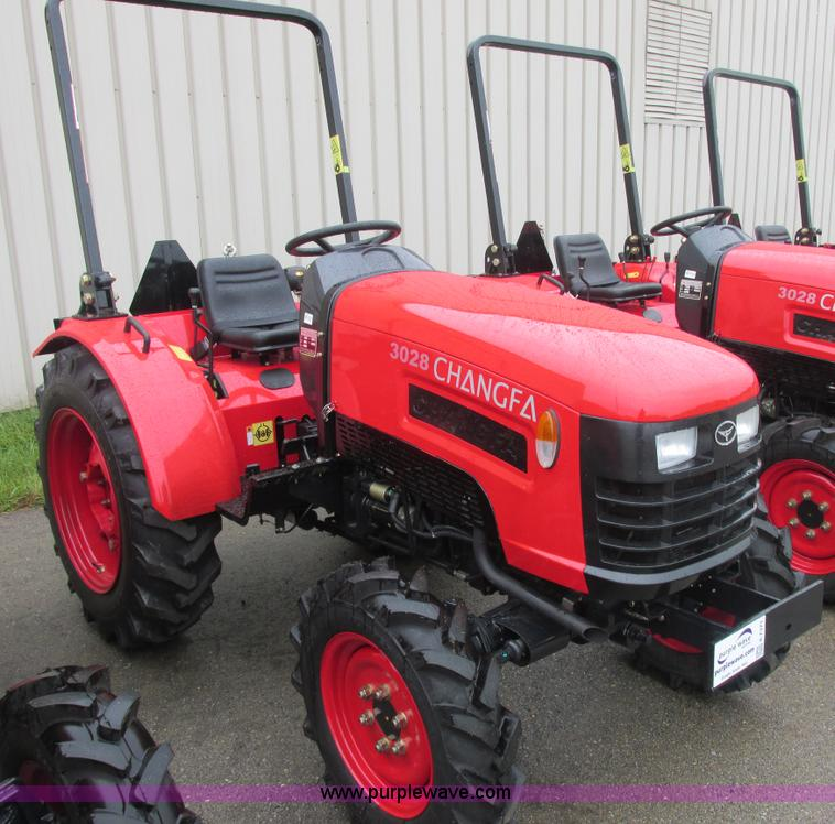 E7371.JPG - 2012 Changfa 3028 MFWD tractor , 6 5 actual hours , Three cylinder direct injection diesel engine , ...