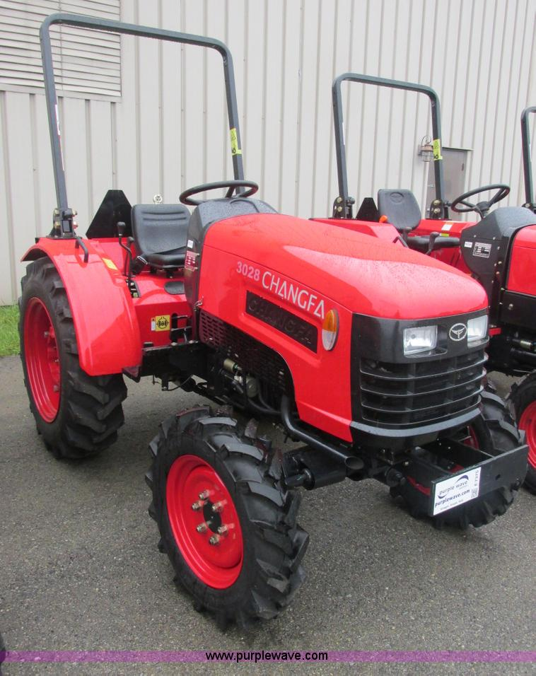 E7375.JPG - 2012 Changfa 3028 MFWD tractor , 1 0 actual hours , Three cylinder direct injection diesel engine , ...