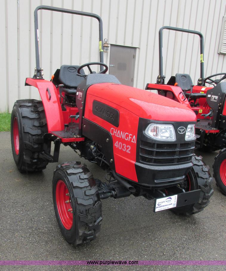 E7377.JPG - 2012 Changfa 4032 MFWD tractor , 10 0 actual hours , Three cylinder direct injection diesel engine ,...