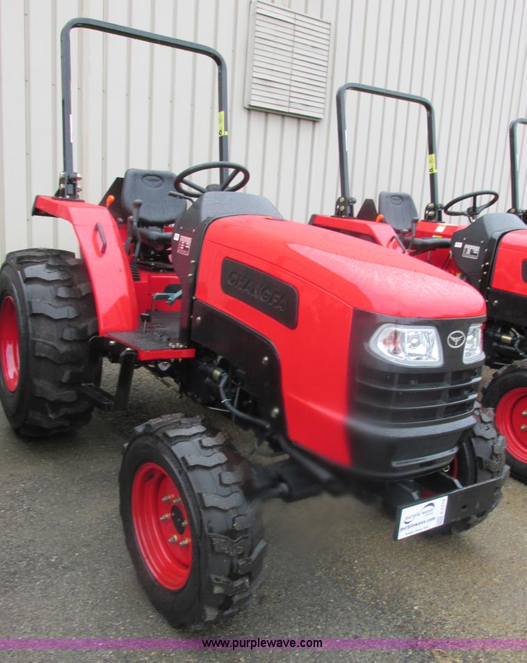 E7379.JPG - 2012 Changfa 4032 MFWD tractor , 1 1 actual hours , Three cylinder direct injection diesel engine , ...