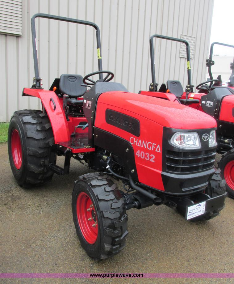 E7381.JPG - 2012 Changfa 4032 MFWD tractor , 1 0 actual hours , Three cylinder direct injection diesel engine , ...