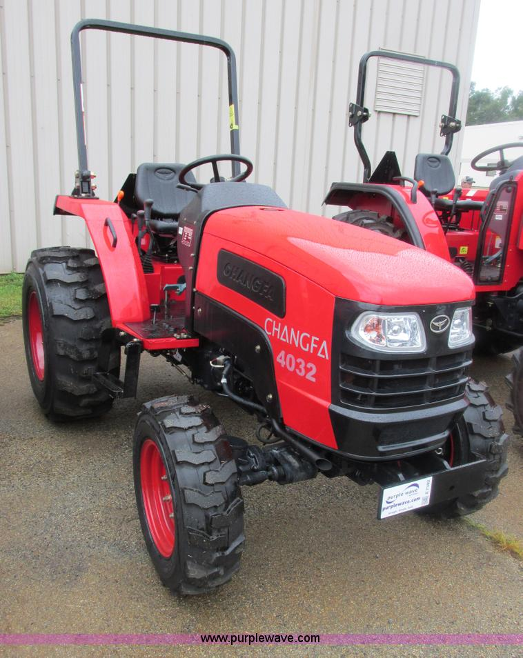 E7382.JPG - 2012 Changfa 4032 MFWD tractor , 2 7 actual hours , Three cylinder direct injection diesel engine , ...