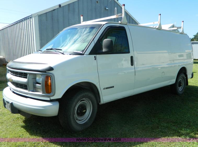 AD9574.JPG - 2000 Chevrolet Express 3500 van , 167,368 miles on odometer , Miles may vary, vehicle is still in us...