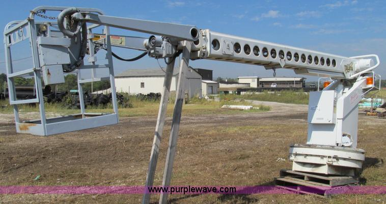 G2113.JPG - 1992 Telsta T 400 single platform man lift , 6,924 hours on meter , Reel cable attachment , Electric...