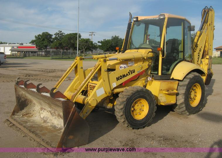 H6434.JPG - 2002 Komatsu WB140 2 backhoe , 7,575 hours on meter , Four cylinder diesel engine , Four speed shutt...
