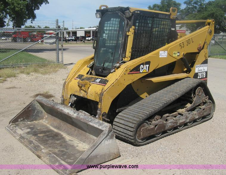 H6435.JPG - 2008 Caterpillar 287B Turbo track skid steer , 2,500 hours on meter , Caterpillar four cylinder dies...