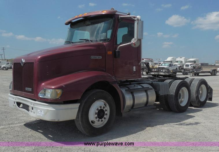 E7696.JPG - 2000 International 9100i semi truck , 653,488 miles on odometer , Detroit Diesel Series 60 12 7L L6 ...