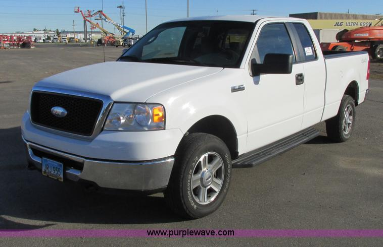 A8647.JPG - 2007 Ford F150 pickup truck , 118,457 miles on odometer , 5 4L V8 SOHC 24V FFV gas engine , Automati...