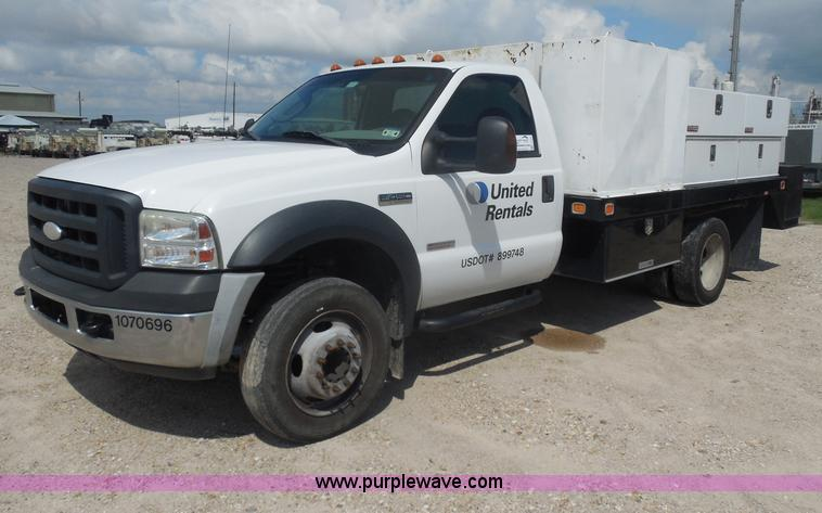 I1333.JPG - 2007 Ford F450 Super Duty service truck , 87,227 miles on odometer , 6 0L V8 diesel engine , Automat...