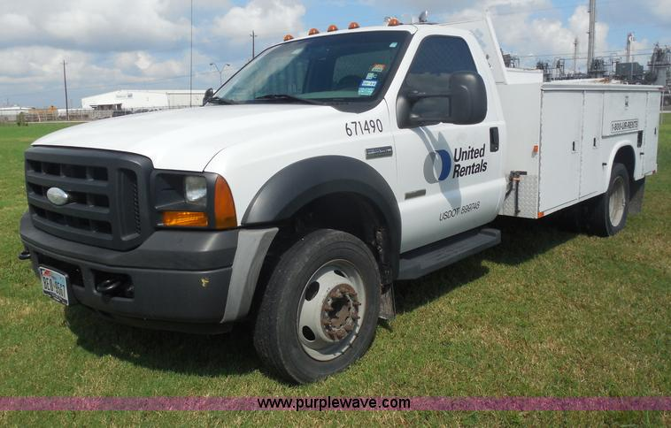 I1334.JPG - 2007 Ford F550 service truck , 140,022 actual miles , 6 0L V8 OHV 32V turbo diesel engine , Automati...