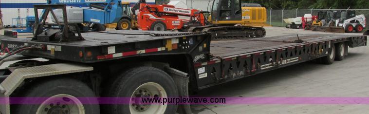 I4237.JPG - 2006 Trail King TK70HT 482 Hydratail trailer , 4711 quot L x 102 quot W , 1110 quot hydraulic tail w...