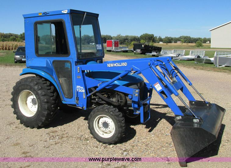 E5198.JPG - 2003 New Holland TC29 tractor , 854 hours on meter , Shibura 1 3L three cylinder diesel engine , 29 ...