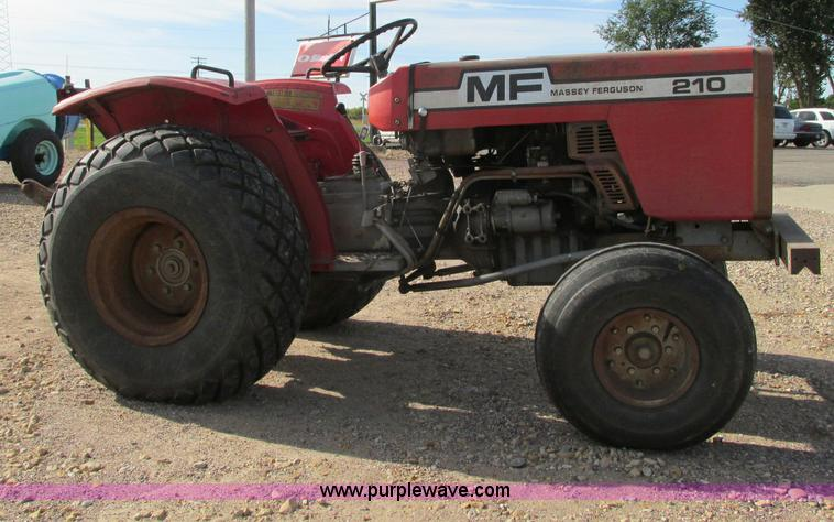 E5205.JPG - 1980 Massey Ferguson 210 tractor , 2,569 hours on meter , Toyosha 1 3L two cylinder diesel engine , ...