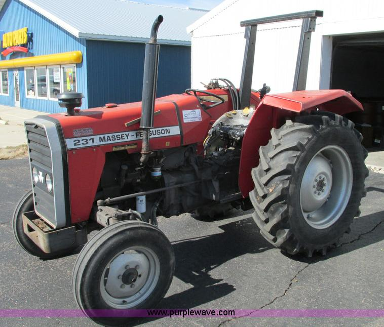 E5207.JPG - 1995 Massey Ferguson 231 tractor , 1,056 hours on meter , Perkins 2 5L three cylinder diesel engine ...