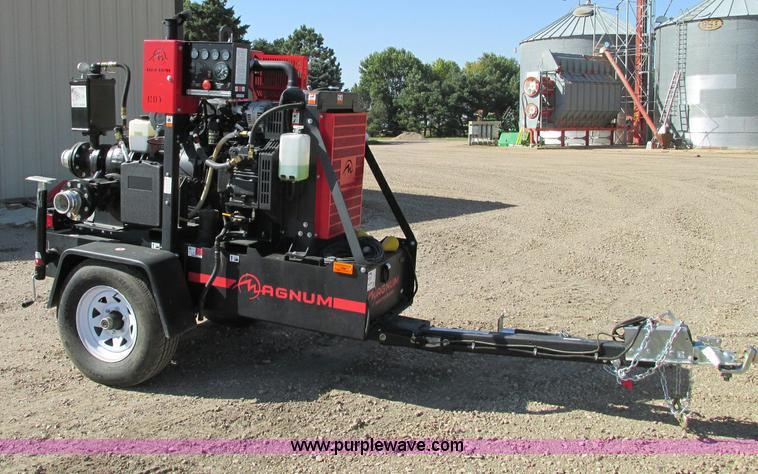 E5213.JPG - 2011 Magnum MTP400D STD 4 quot dry prime trash pump , 39 hours on meter , John Deere 2 4L diesel eng...