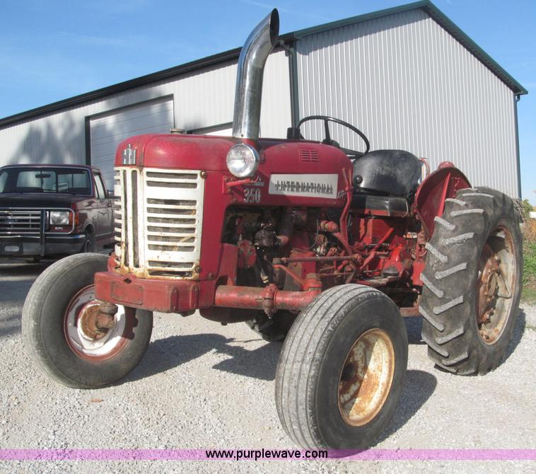 F7140.JPG - 1957 International 350 tractor , 3,921 hours on meter , International 2 9L four cylinder gas engine ...