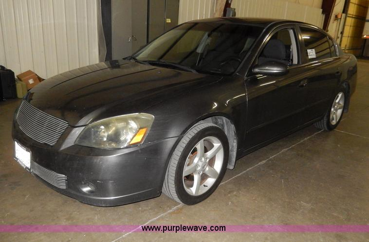 H9657.JPG - 2006 Nissan Altima SE, Non repairable title, parts only , 64,778 miles on odometer , 3 5L V6 DOHC 24...