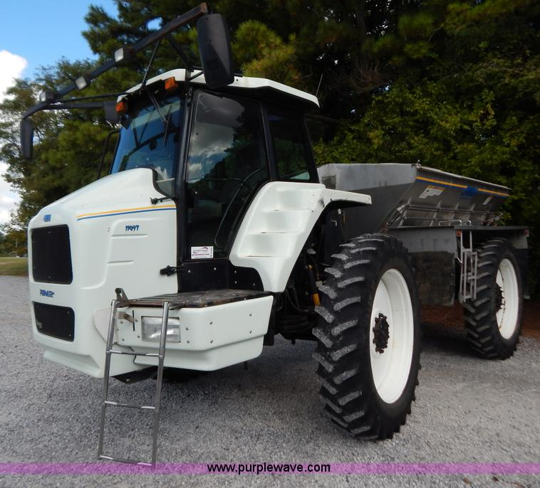 B5886.JPG - 2004 GVM Prowler 1149T dry fertilizer applicator , 2,499 hours on meter , Cummins six cylinder diese...