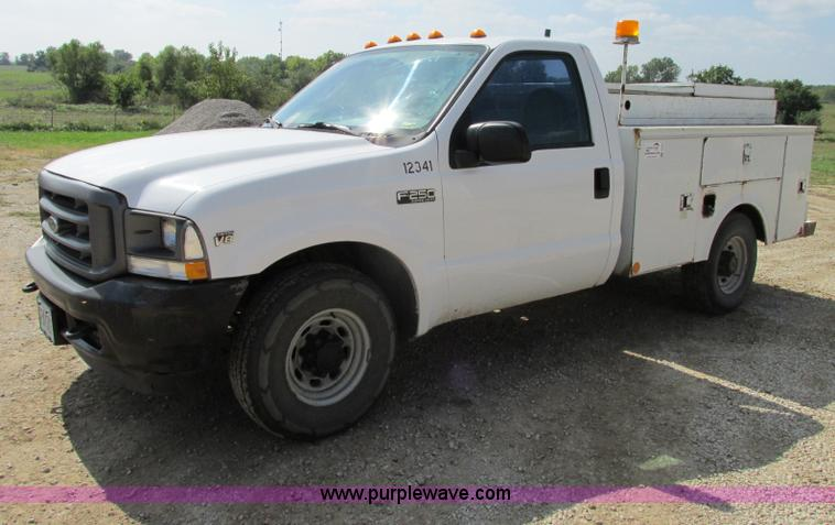 F5283.JPG - 2002 Ford F250 Super Duty XL service truck , 139,172 miles on odometer , 5 4L V8 SOHC 16V gas engine...