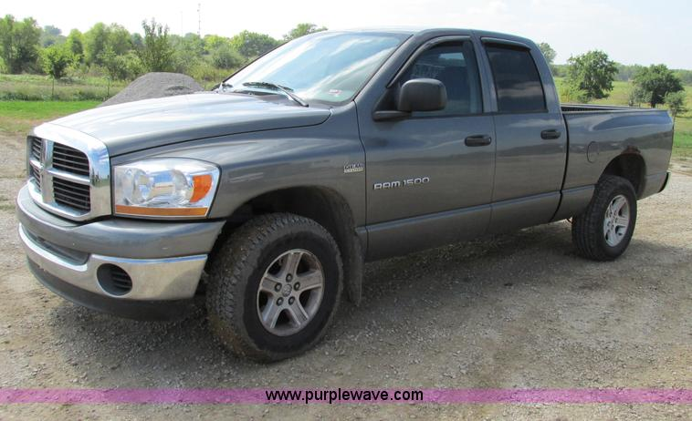 F5284.JPG - 2006 Dodge Ram 1500 Quad Cab pickup truck , 222,564 miles on odometer , 5 7L V8 OHV 16V gas engine ,...
