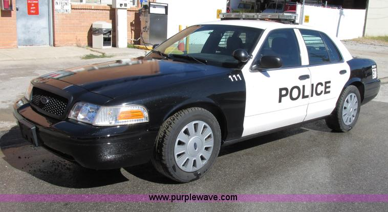 F5310.JPG - 2010 Ford Crown Victoria Police Interceptor , 81,870 actual miles , 4 6L V8 SOHC 16V FFV gas engine ...