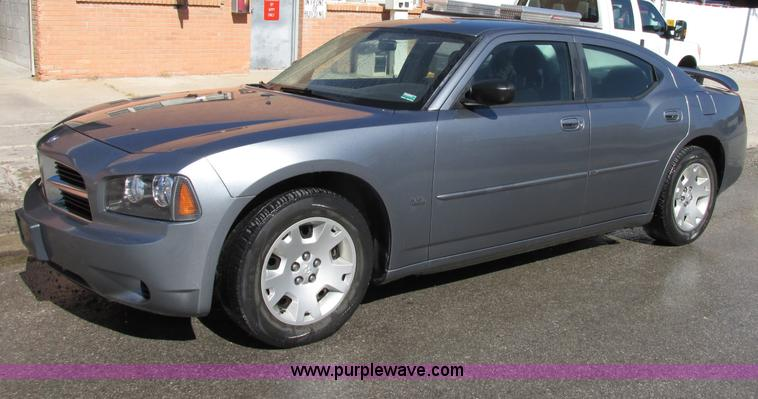 F5312.JPG - 2006 Dodge Charger , 88,318 actual miles , 3 5L V6 SOHC 24V gas engine , Automatic transmission , AC...