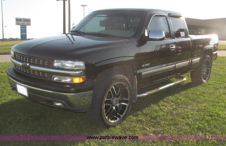 F7137.JPG - 2000 Chevrolet Silverado 1500 LT Z71 Ext Cab pickup truck , 185,354 miles on odometer , Miles may va...