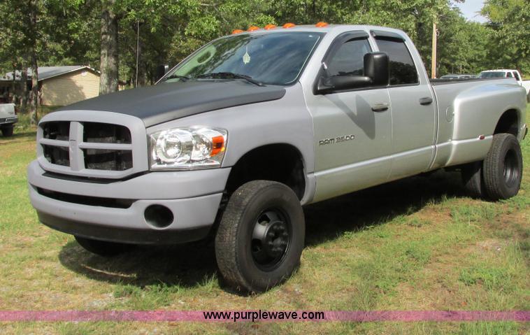 I4979.JPG - 2003 Dodge Ram 3500 SLT pickup truck , 204,259 actual miles , Cummins 5 9L L6 OHV 24V turbo diesel e...