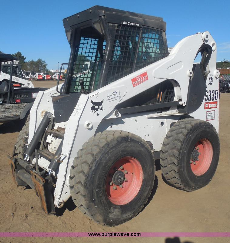 I1326.JPG - 2007 Bobcat S330 skid steer , 2,074 hours on meter , Kubota four cylinder diesel engine , Override t...