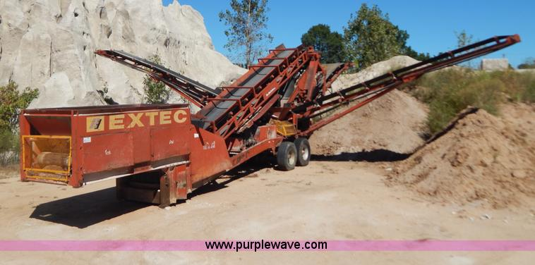 B5874.JPG - Extec 5000 portable conveyor screen plant , Deutz four cylinder air cooled diesel engine , 2 conveyo...