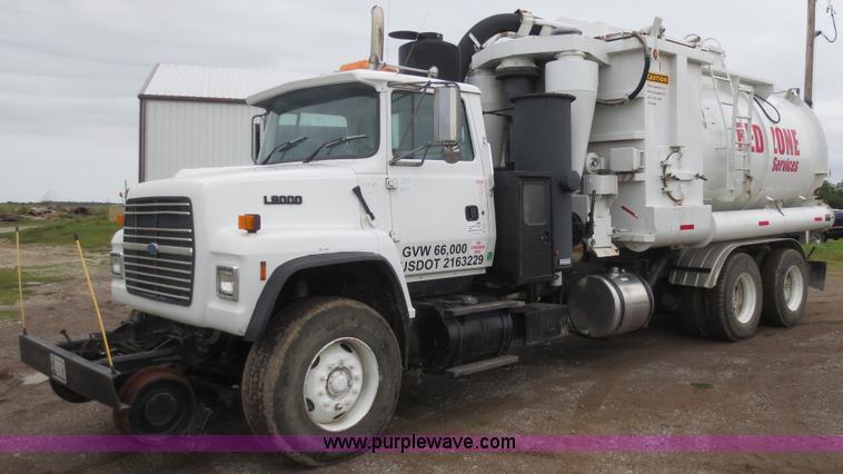 B6855.JPG - 1995 Ford L9000 Hi Rail vacuum truck , 178,759 miles on odometer , Caterpillar 3306 10 5L L6 diesel ...