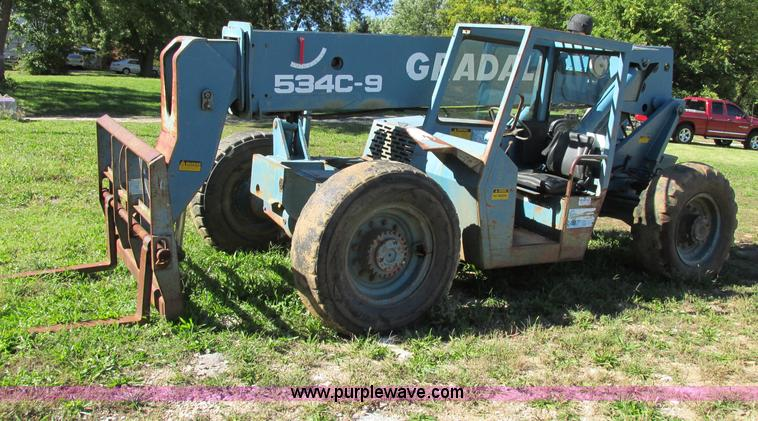 F5307.JPG - Gradall 534C 9 telehandler , 8,220 hours on meter , Cummins four cylinder turbo diesel engine , Engi...