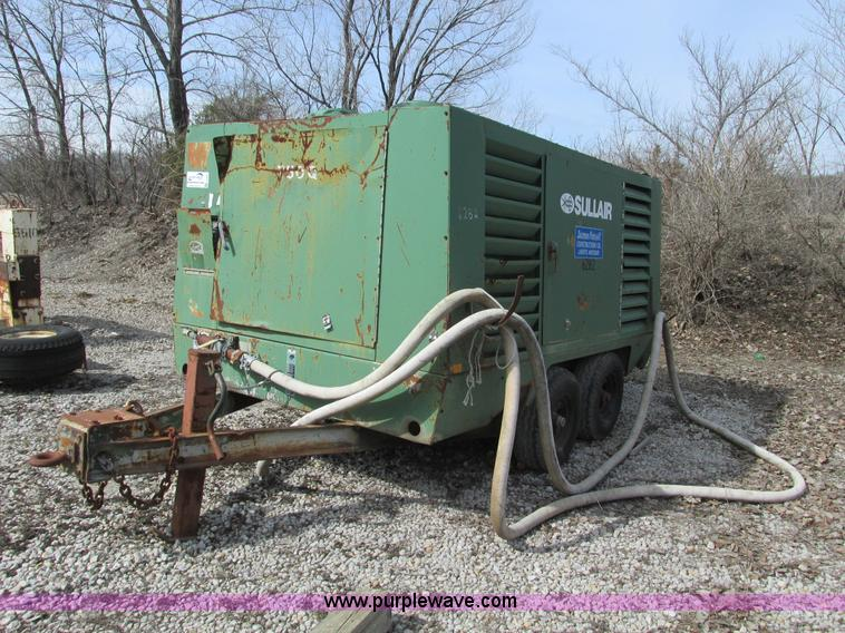 G3047.JPG - Sullair 7500TQ air compressor , 6,590 hours on meter , Caterpillar 3306 turbo diesel engine , Serial...