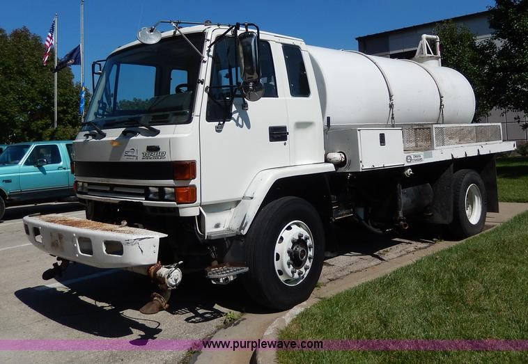 I4304.JPG - 1992 Isuzu FVR7MF water truck , 41,640 miles on odometer , Isuzu 6BG1 6 5L L6 turbo diesel engine , ...