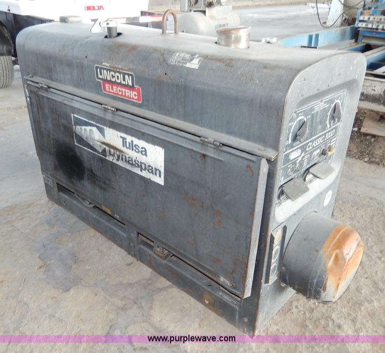 No Reserve Auction On Tuesday May 07: 2000 Lincoln Electric Classic 300D Welder