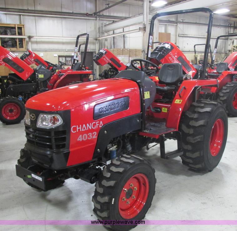 AB9352.JPG - 2012 Changfa 4032 MFWD tractor , 1 0 actual hours , Three cylinder direct injection diesel engine , ...
