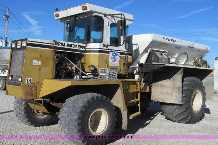 G2134.JPG - 1994 Ag Chem TerraGator 1844 dry fertilizer spreader truck , 29,244 miles on odometer , 10,873 hours...