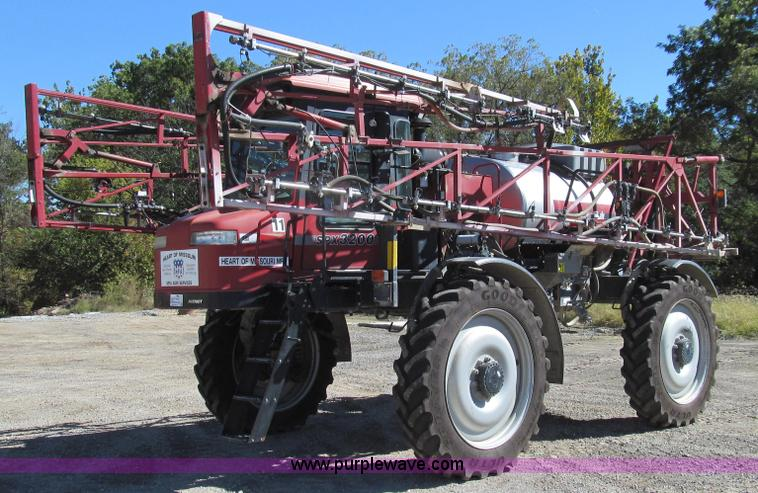 G2140.JPG - 2003 Case IH SPX3200 Patriot self propelled sprayer , 3,483 hours on meter , Cummins six cylinder di...