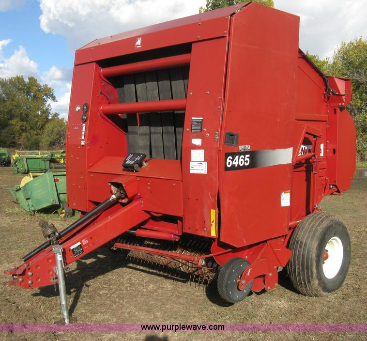 H4456.JPG - 2005 New Idea 6465 round baler , 7W pickup , Twine tie , 1000 PTO , In cab bale monitor , Transport ...