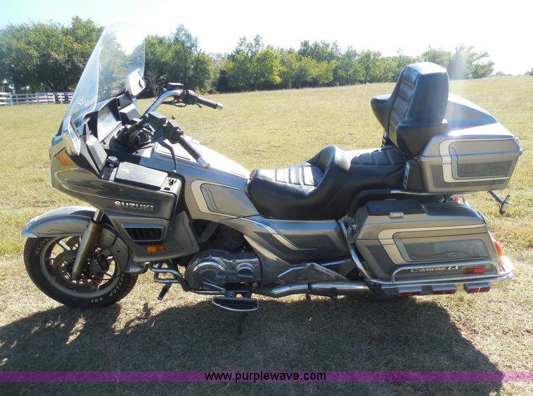 E7730.JPG - 1988 Suzuki GV1400 Cavalcade Slip Streamer motorcycle , 25,175 miles on odometer , Four cylinder 140...