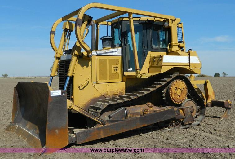 D6038.JPG - 1997 Caterpillar D6R dozer , 14,365 hours on meter , Caterpillar 3306 six cylinder non electronic tu...