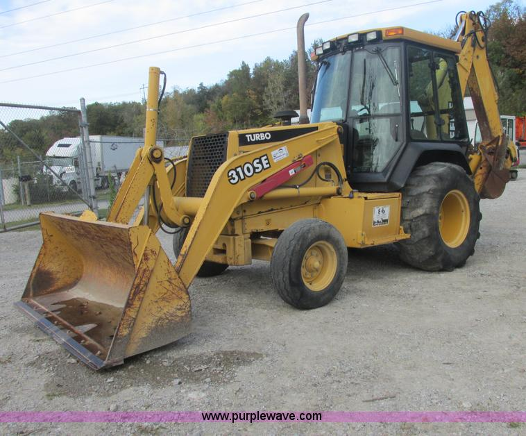 E7399.JPG - 1998 John Deere 310SE backhoe , 3,680 hours on meter , Hour meter flashes , John Deere diesel engine...